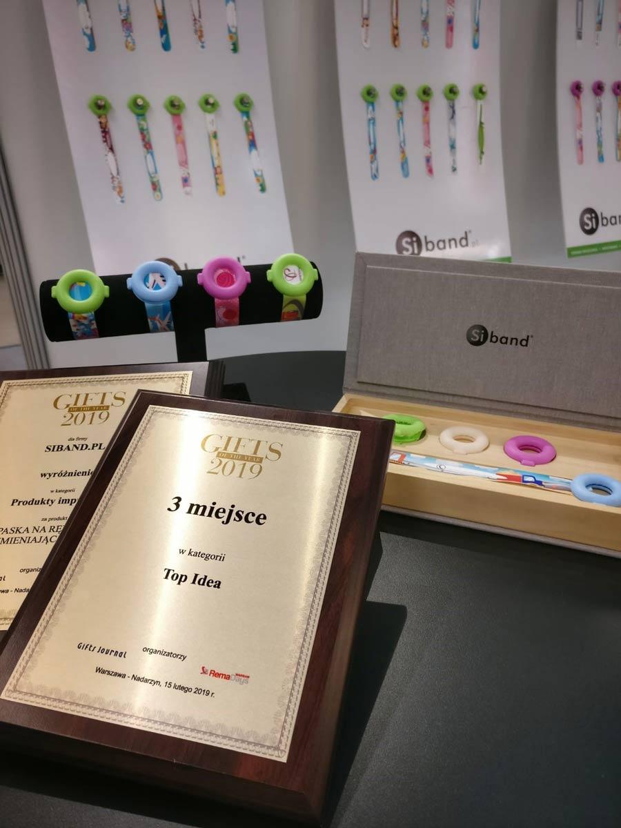 Gifts of the year 2019 - nagroda za niezgubki - opaski UV